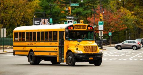 20-school-bus-1557763295754.jpg