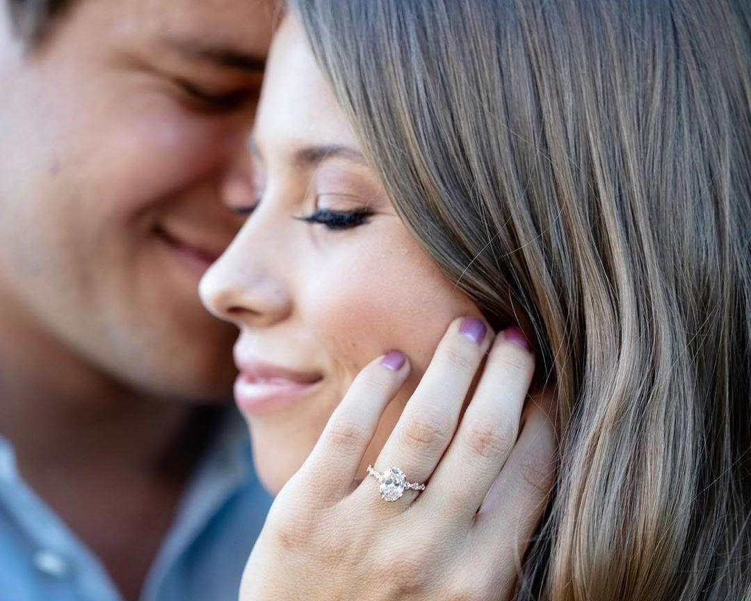 who-is-bindi-irwin-engaged-to-1-1563982589178.jpg
