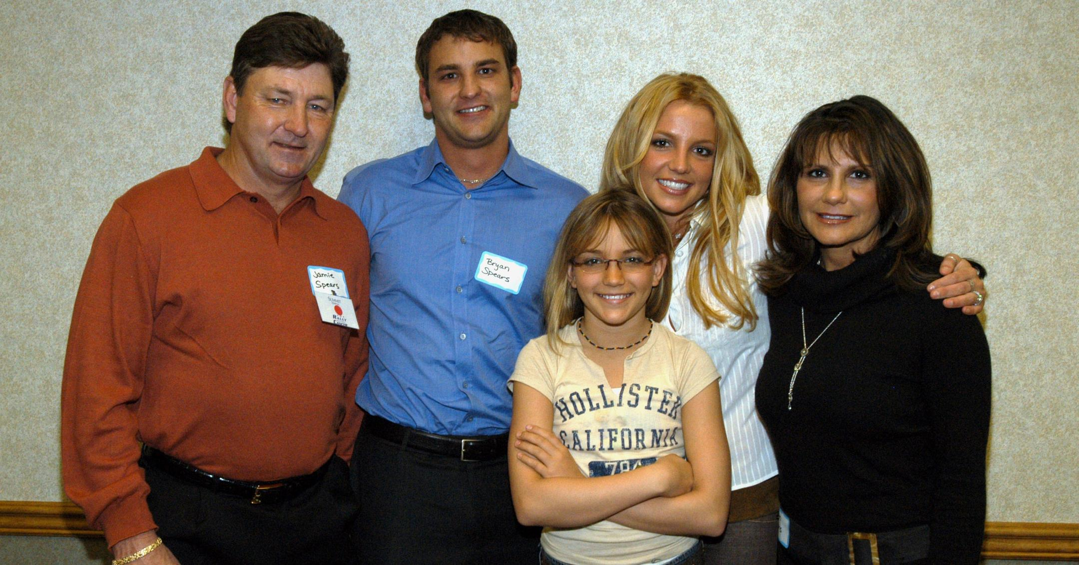 Where Is Britney Spears Mom She Isn T As Involved As Her Dad