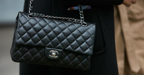 chanel-purse-1559671398980.jpg