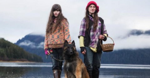 alaskan-bush-people-daughters-1578602592451.PNG