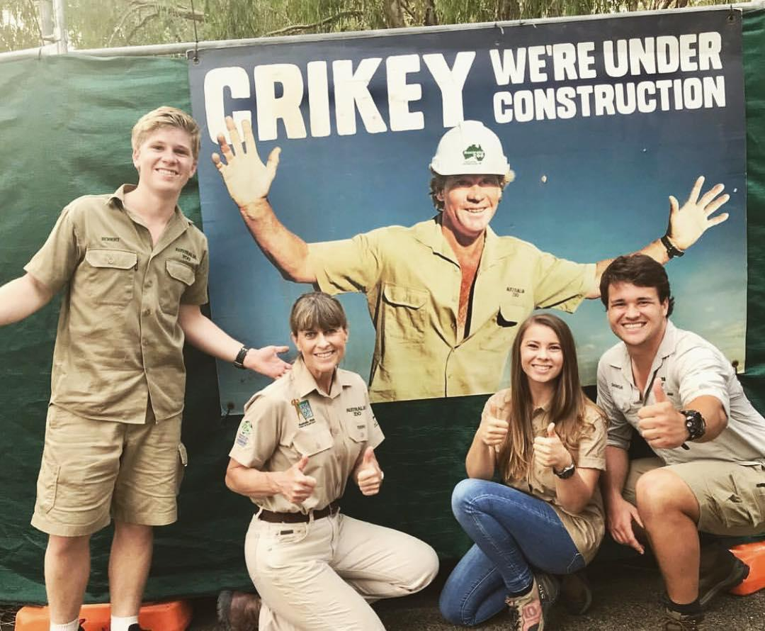 who-is-bindi-irwin-engaged-to-3-1563982687531.jpg