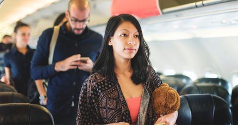 women-stop-creepy-man-on-airplane-1-1553537317030.jpg