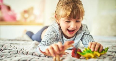 girl-playing-dinosaurs-1552069210037.jpg
