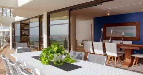 justin-debbie-instant-hotel4-1562296560969.jpg