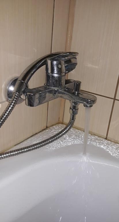19-bad-bathrooms-1566403630485.jpg