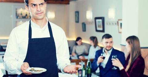 4-waiter-1565106614435.jpg