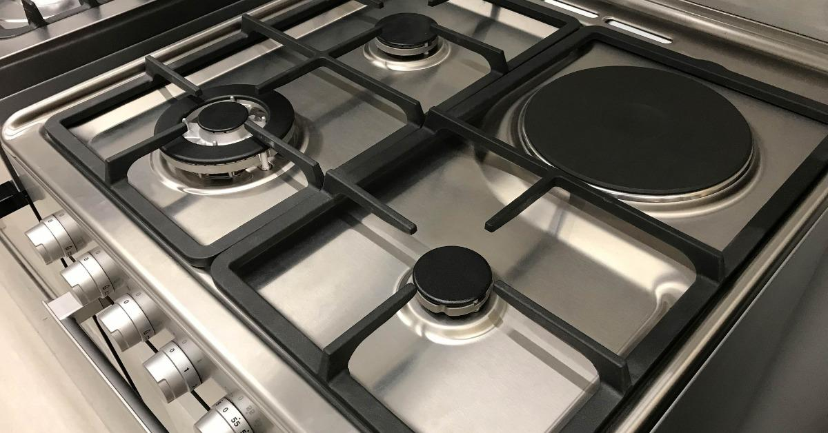 angle-view-of-gas-modern-stove-and-electric-oven-picture-id931385464-1536095468671-1536095470394.jpg
