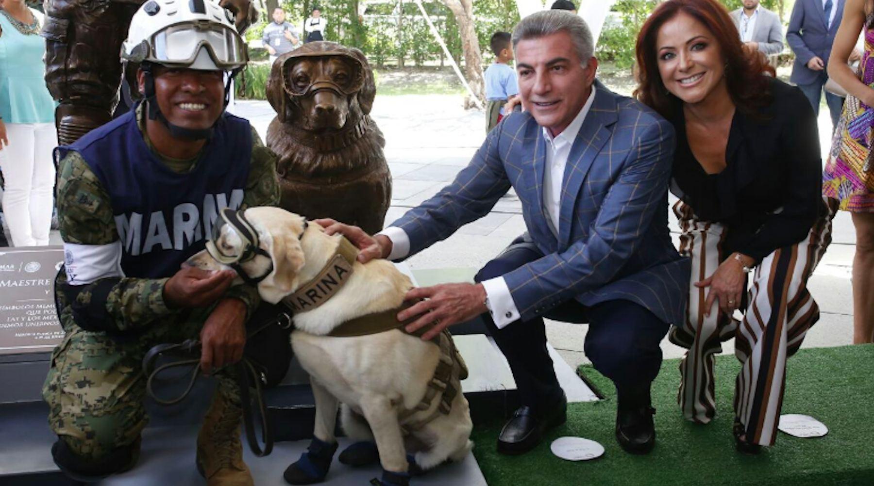 frida_dog_statue_mexico-1532106287258-1532106289351.jpg