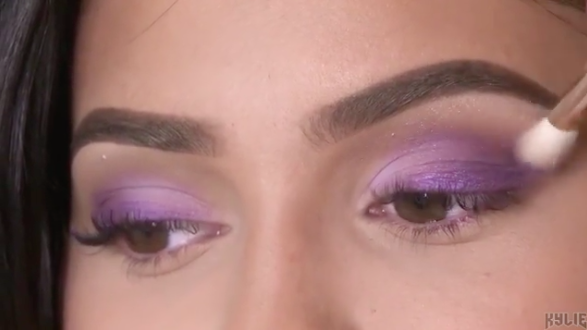 kylie-jenner-purple-palette-1533147126156-1533147129514.jpg