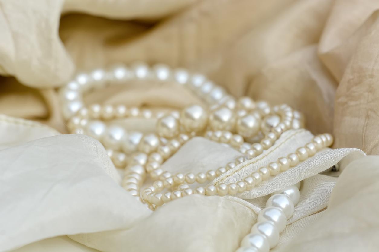 pearls-1540399476259-1540399478298.jpg