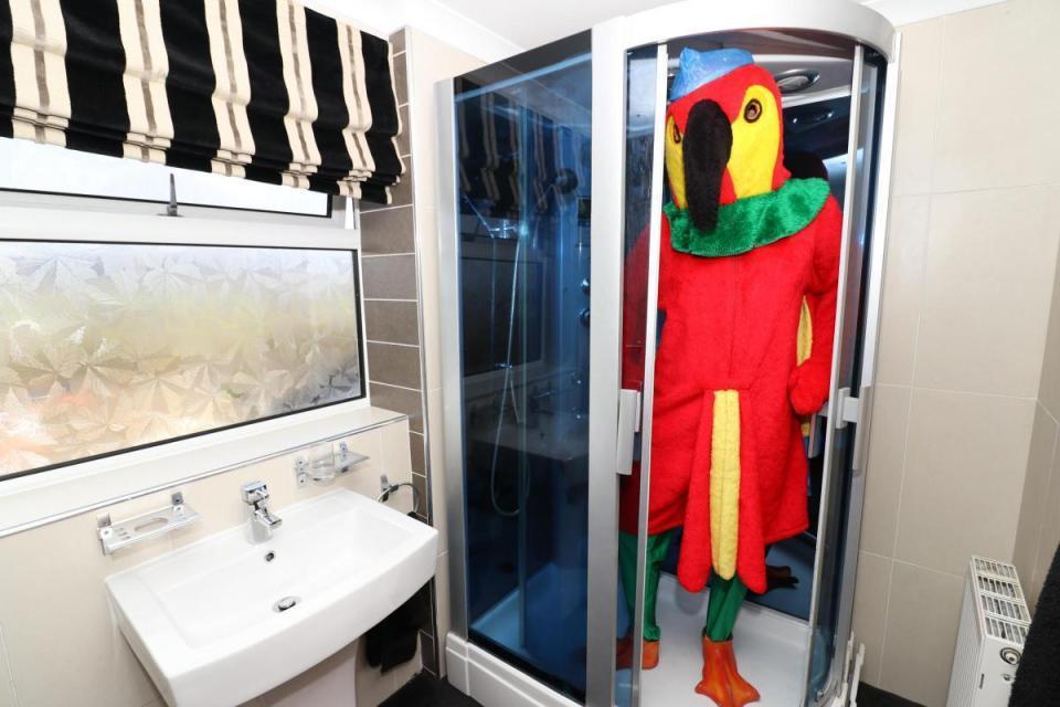 shower-1489766324596.jpg