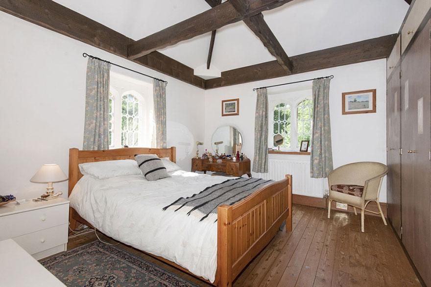 uk-smallest-castle-for-sale-mollys-lodge-5-1491413601246.jpg