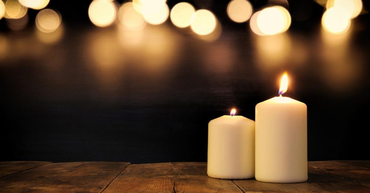 burning-candles-over-old-wooden-table-with-bokeh-lights-picture-id836564590-1539957092951-1539959008018.jpg
