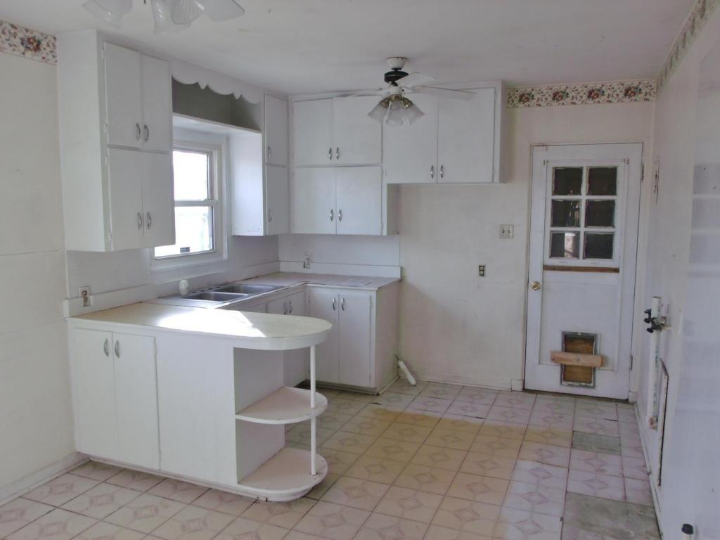 kitchen-before-1537977347636-1537977349487.jpg