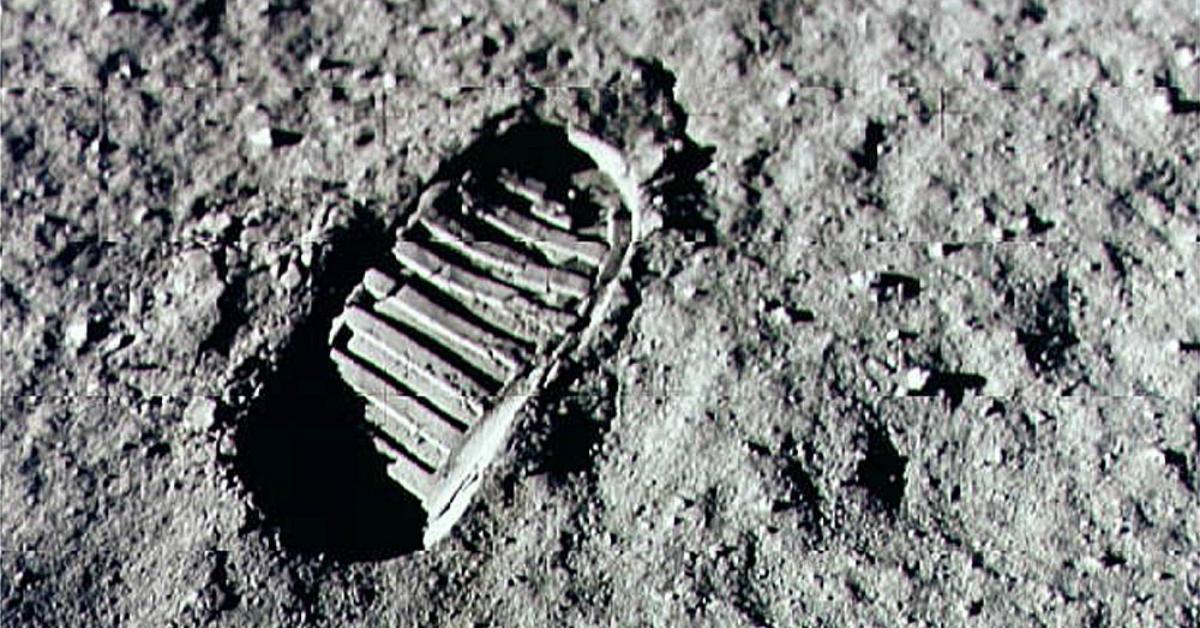 moon-1534951017026-1534951022158.jpg