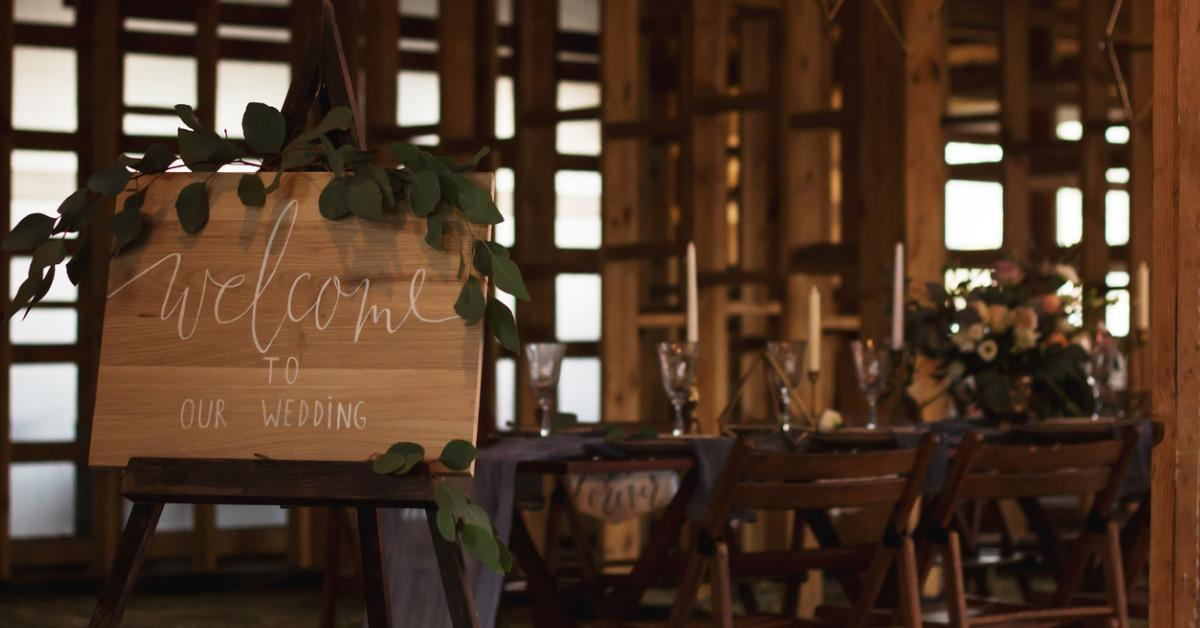 wedding-banquet-in-a-wooden-barn-picture-id623298434-1542303645108-1542303646977.jpg