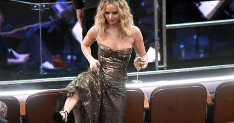 jennifer-lawrence-smell-1542227113466-1542227115774.jpg