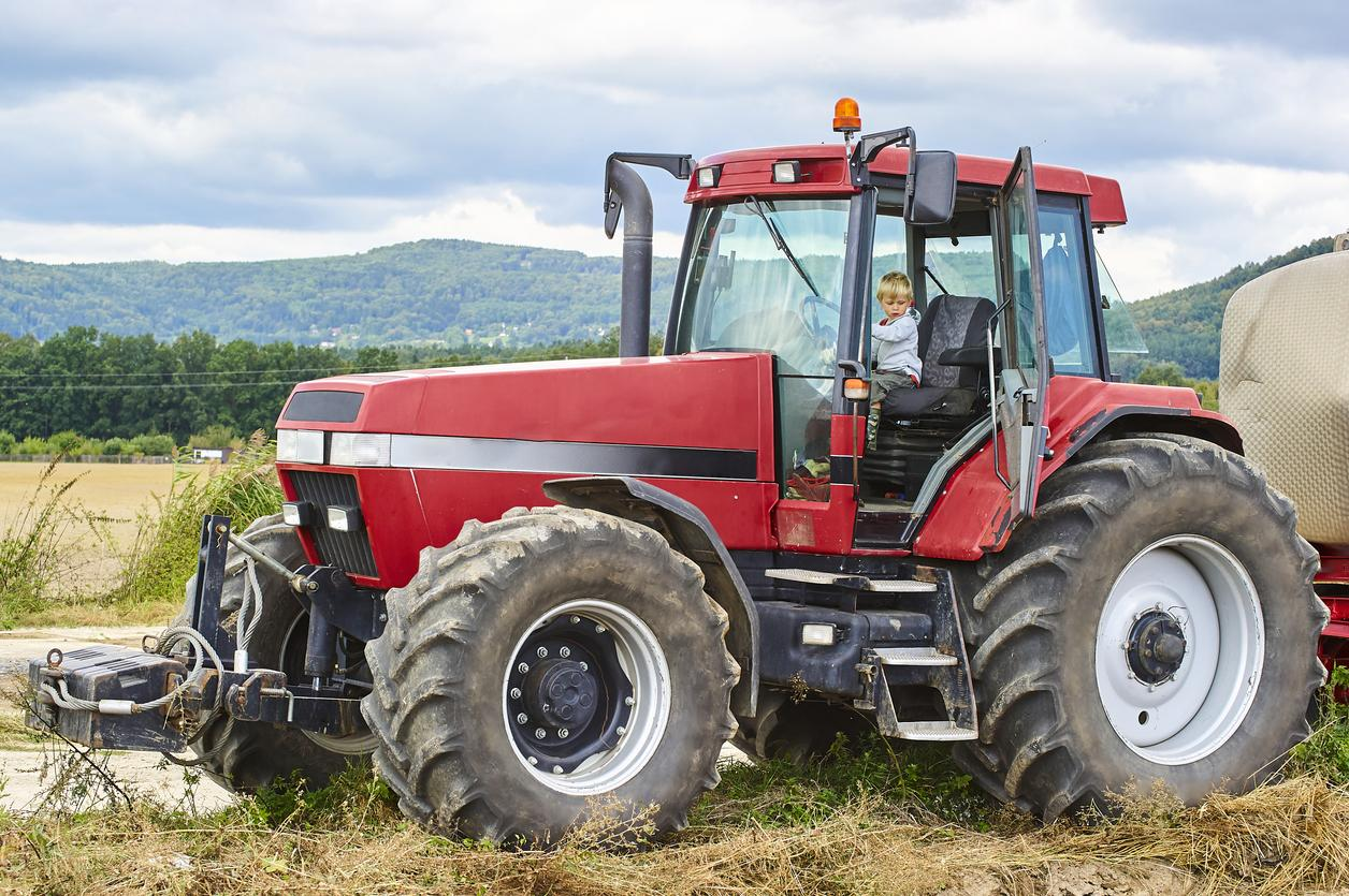 tractor-1539113631459-1539113633850.jpg