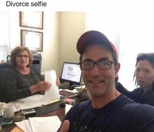 divorce-selfie-1542310912474-1542310914366.jpg