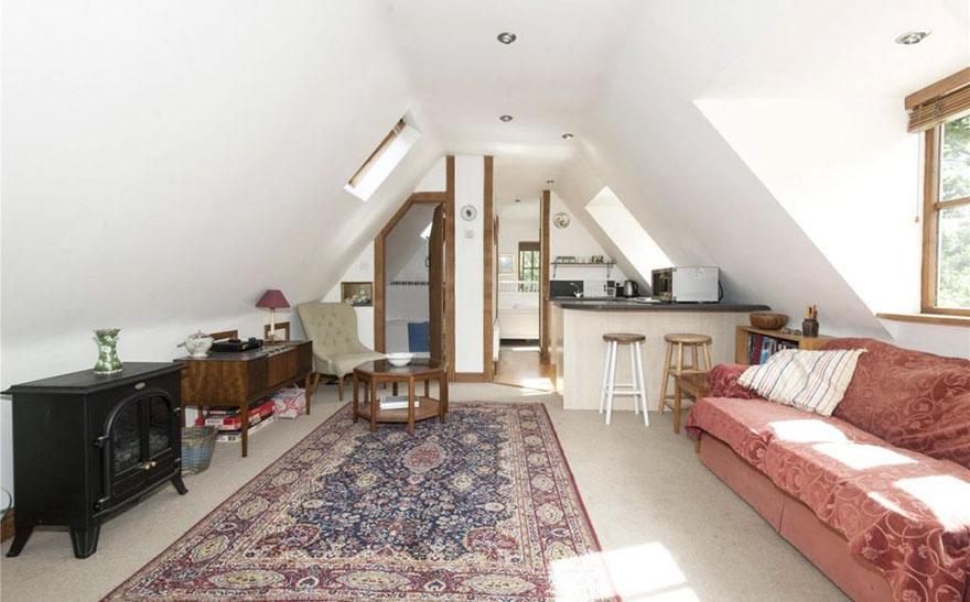 uk-smallest-castle-for-sale-mollys-lodge-3-1491414007137.jpg