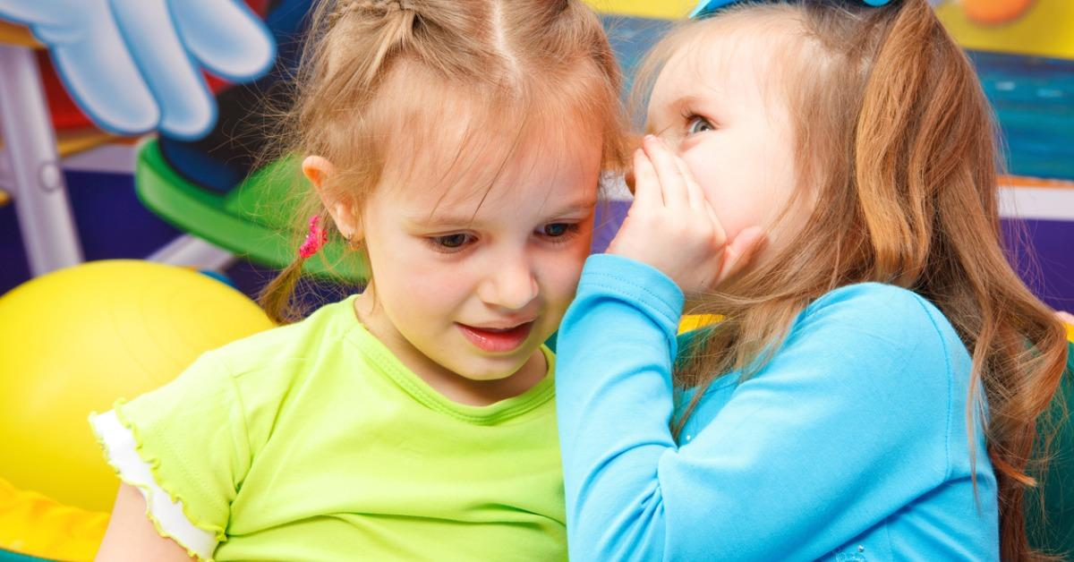 gossiping-picture-id105571465-1540495888470-1540495890456.jpg
