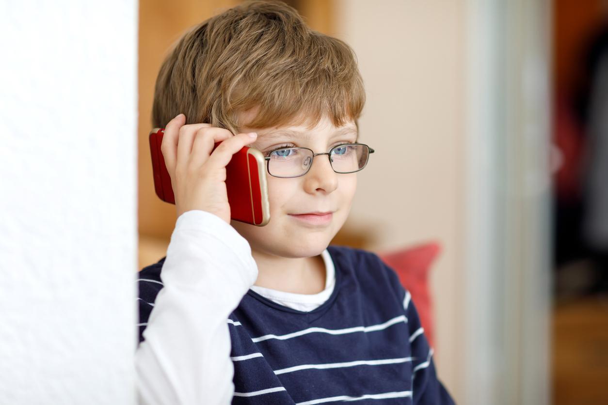 kidphone-1538515828511-1538515831075.jpg