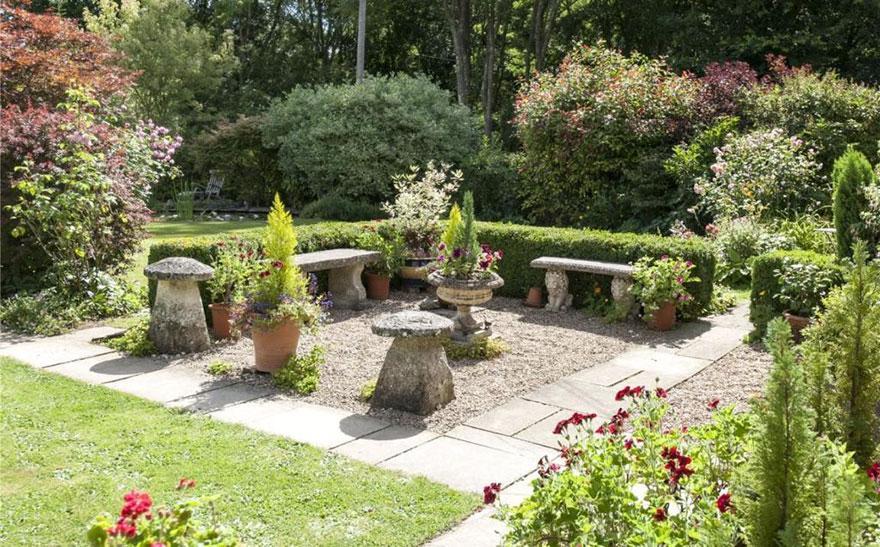 uk-smallest-castle-for-sale-mollys-lodge-4-1491413830070.jpg