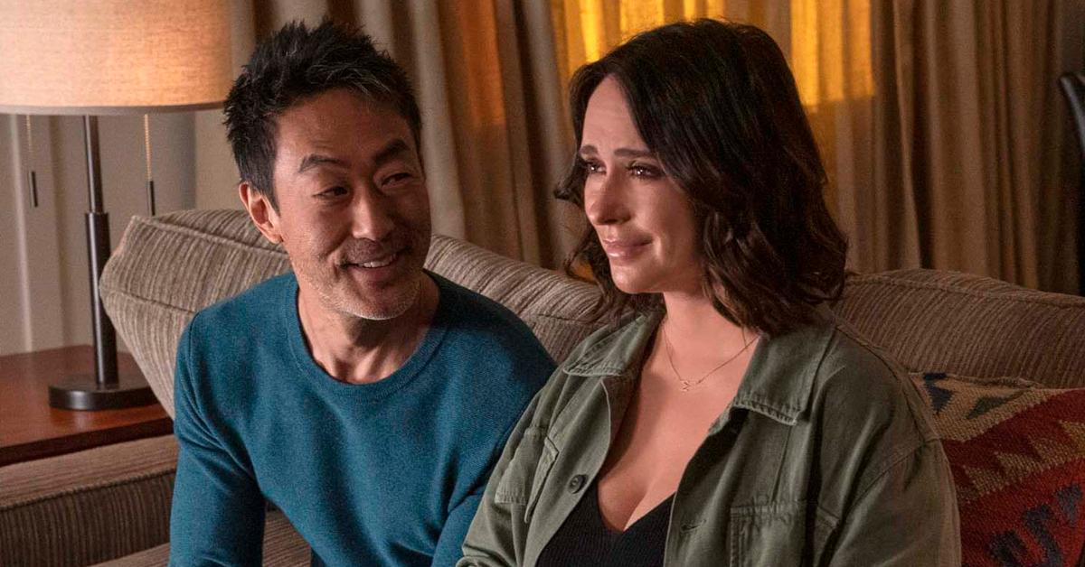 Kenneth Choi and Jennifer Love Hewitt as Maddie and Chimney