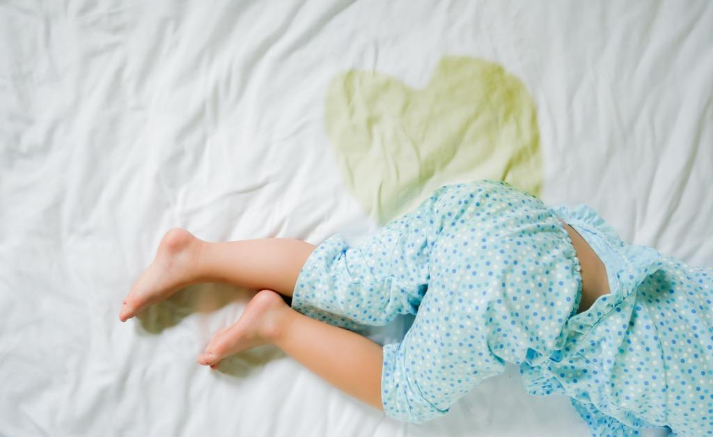 bedwetting-child-pee-on-a-mattresslittle-girl-feet-and-pee-in-bed-picture-id837872112-1539960154739-1539962607224.jpg
