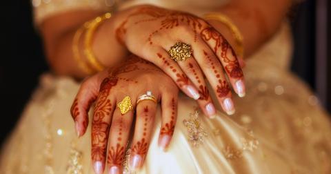 henna-hands-picture-id147021677-1549569965266-1549569967192.jpg