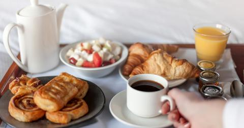 hotel-room-service-1552928505114.jpg