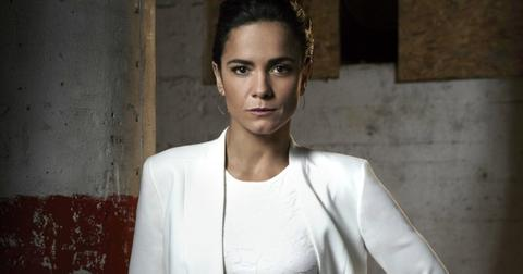 alice-braga-queen-of-the-south-1559858638439.jpg