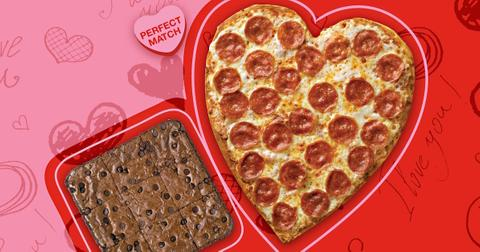 heart-shaped-pizza-brownie-2-1581537018948.jpg