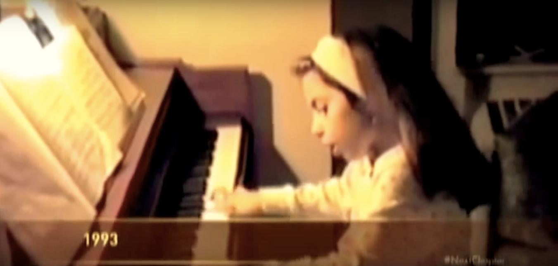 lady-gaga-piano-1545336902752.jpg