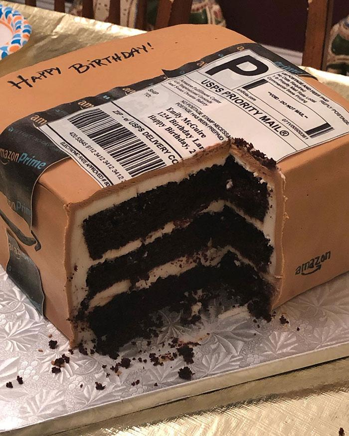 3-amazon-cake-1564505091573.jpg