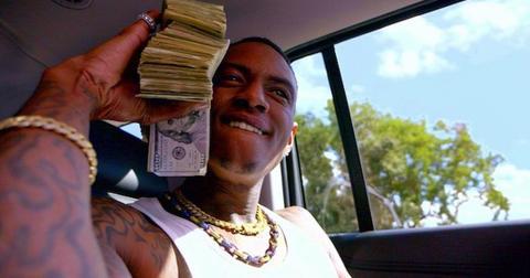 soulja-boy-dropping-cash-1567091312747.jpg