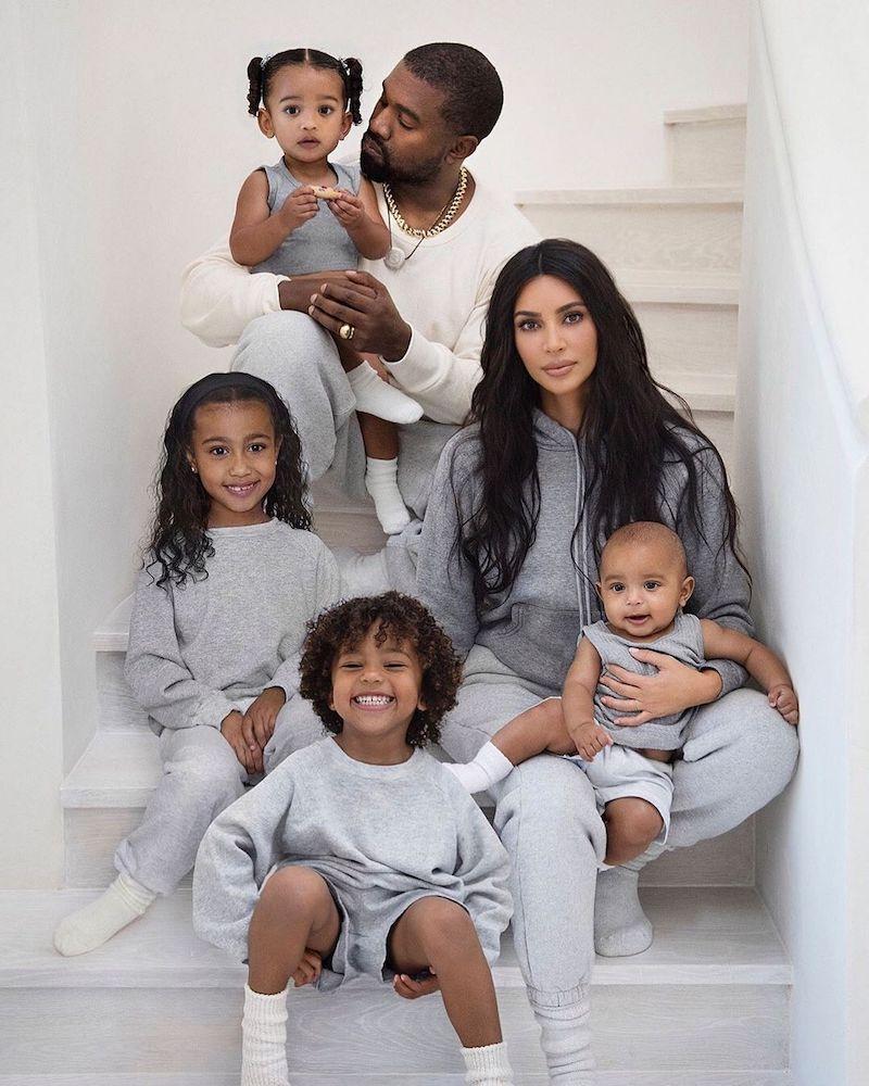kim-kardashian-christmas-card-1576856211612.jpg