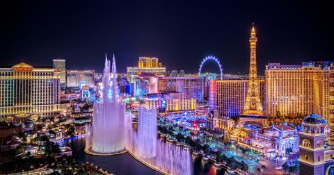 vegas-casinos-coronavirus-1584417676247.jpg