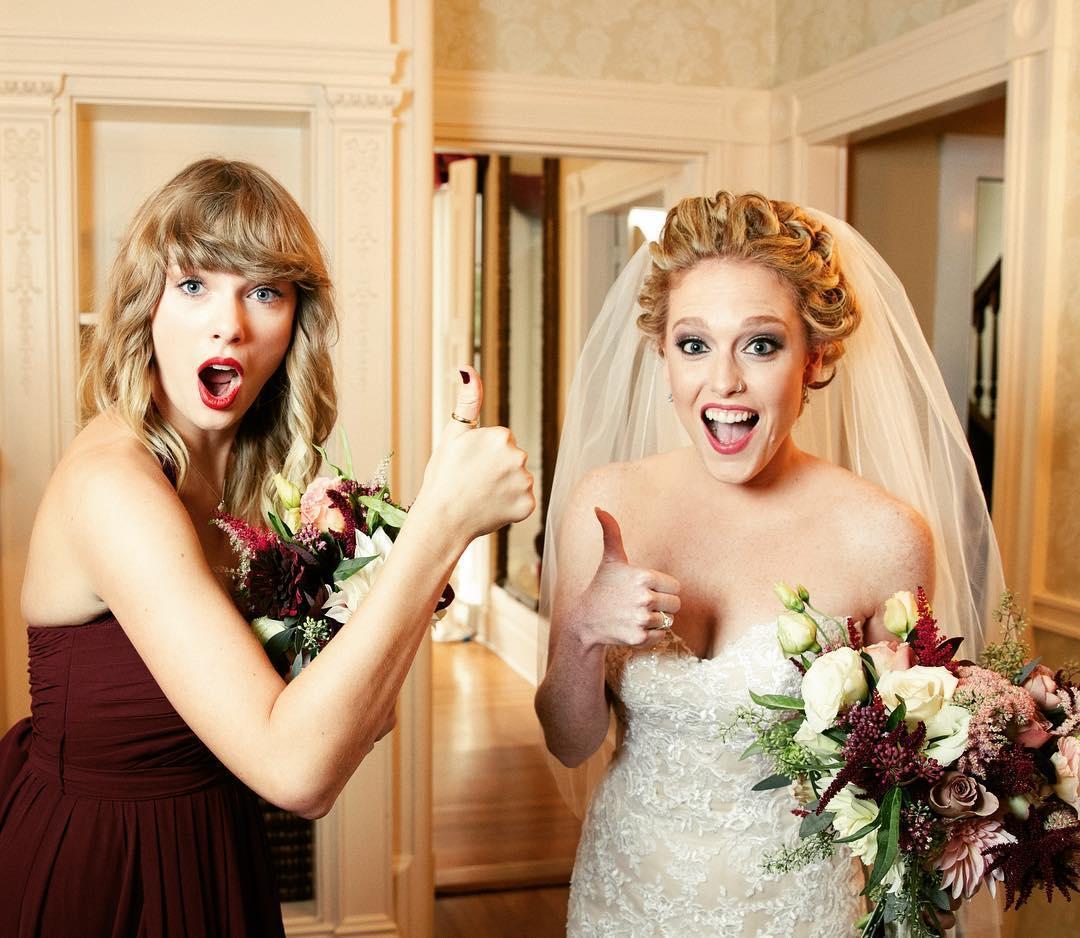taylor-swift-bridesmaid-1545170607849.jpg