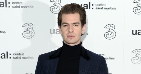 andrew-garfield-singing-3-1572464797483.jpg