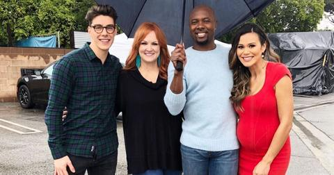 Food Network Christmas Cookie Challenge 2020 Meet the Judges on 'Christmas Cookie Challenge' — Details on the Show