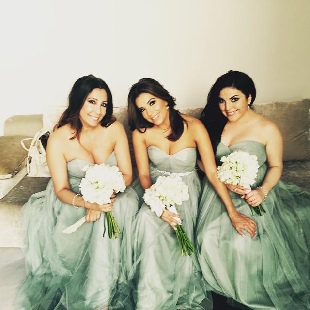 eva-longoria-bridesmaid-1545170064567.jpg
