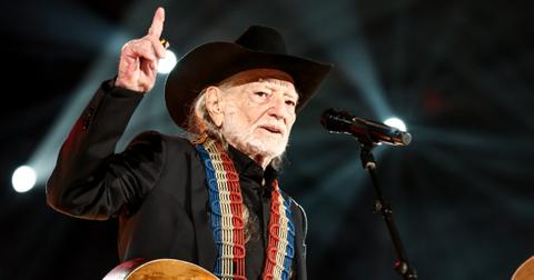 willie-nelson-cancelled-tour-1565286847099.jpg