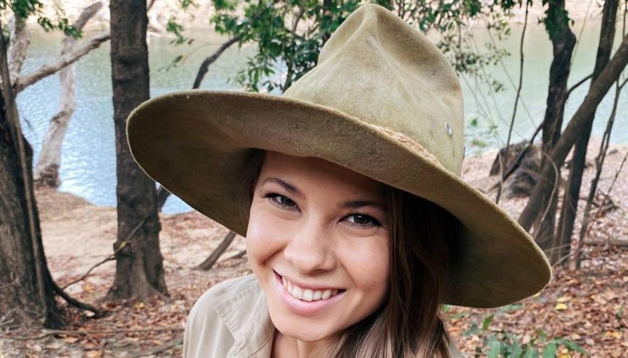 does bindi irwin have a degree