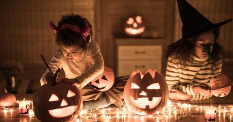 halloween-pumpkin-carving-origin-1569963360141.jpg
