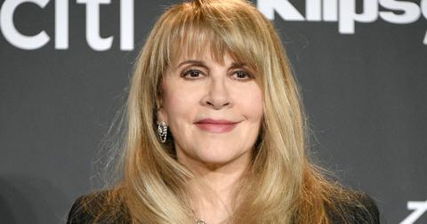stevie-nicks-boyfriends-and-husbands-3-1603660727935.jpg