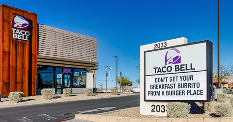 taco-bell-toasted-breakfast-burritos-2-1584045571134.png