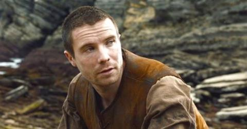 gendry-game-of-thrones2-1555084082144.JPG