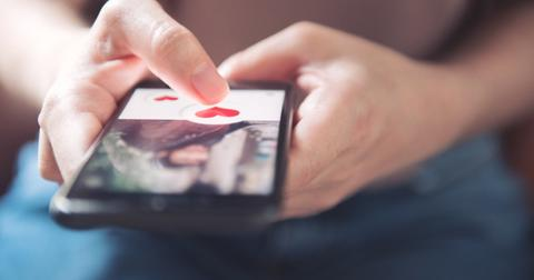 finger-of-woman-pushing-heart-icon-on-screen-in-mobile-smartphone-picture-id1127085107-1561127842321.jpg